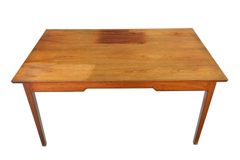 Danish Modern Rosewood Writing Desk in the Manner of Fritz Henningsen For Sale 1