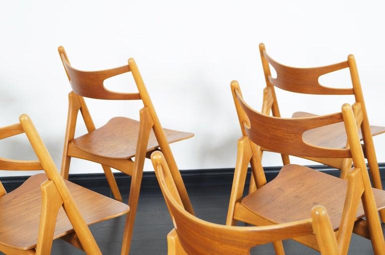 Danish Modern 'Sawbuck' CH-29 Dining Chairs by Hans J. Wegner For Sale 4