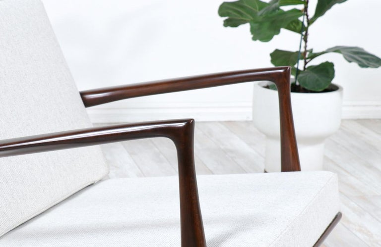 Danish Modern Sculpted Rocking Chair by Ib Kofod-Larsen for Selig For Sale 4