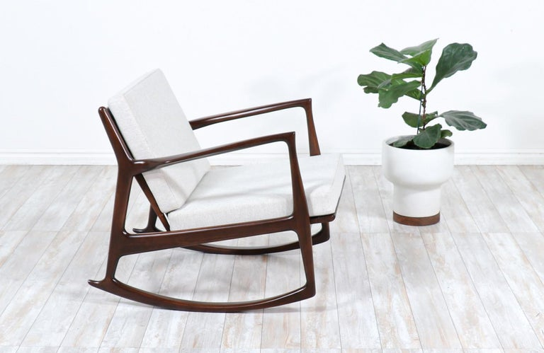 Danish Modern Sculpted Rocking Chair by Ib Kofod-Larsen for Selig In Excellent Condition For Sale In Los Angeles, CA