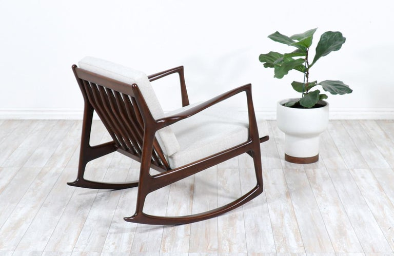 Mid-20th Century Danish Modern Sculpted Rocking Chair by Ib Kofod-Larsen for Selig For Sale