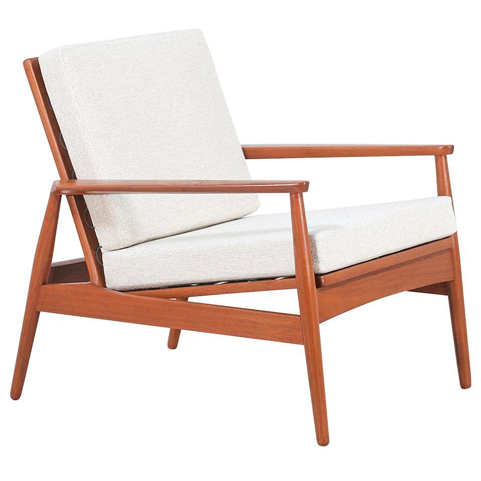 Danish Modern Sculpted Teak Lounge Chair