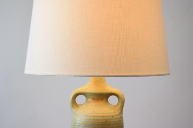 Danish Modern Sculptural Ceramic Table Lamp Green Ochre Glaze by Knabstrup 1960s For Sale 8