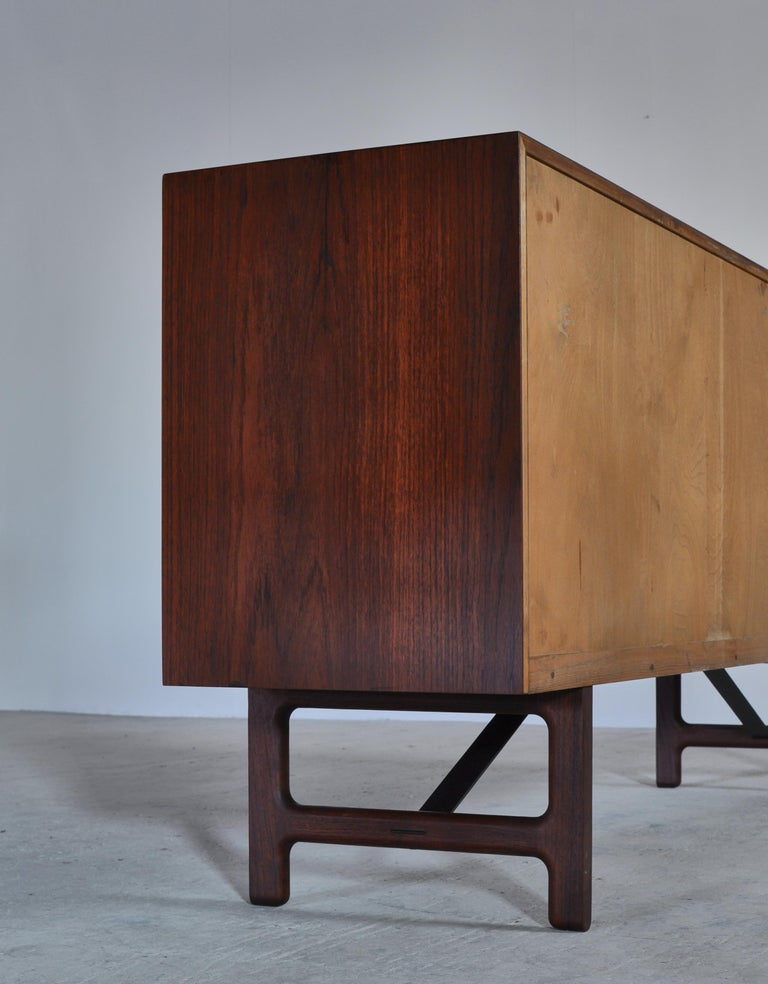 Danish Modern Sideboard in Teakwood by Ejner Larsen & Aksel Bender Madsen, 1950s For Sale 6