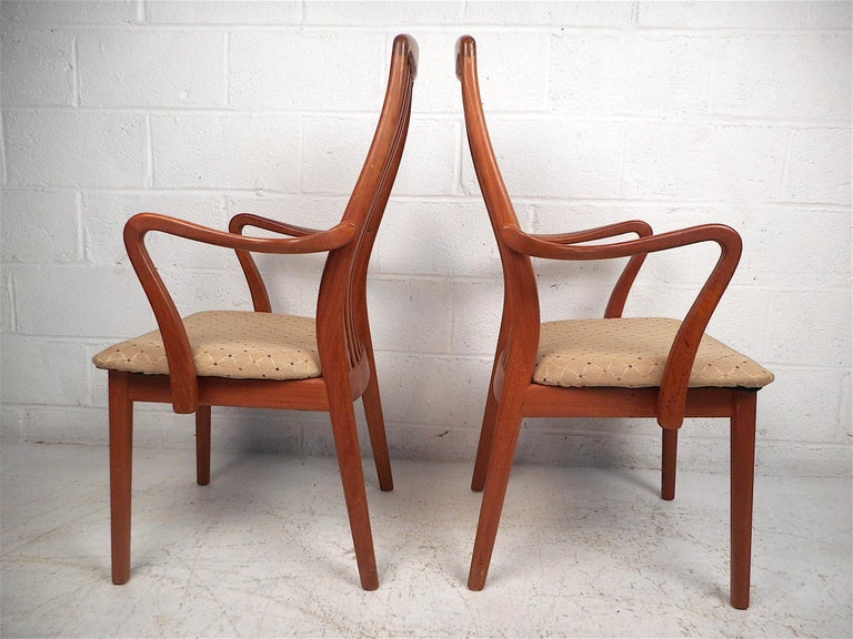 Danish Modern Style Dining Chairs, Set of 6 In Good Condition For Sale In Brooklyn, NY