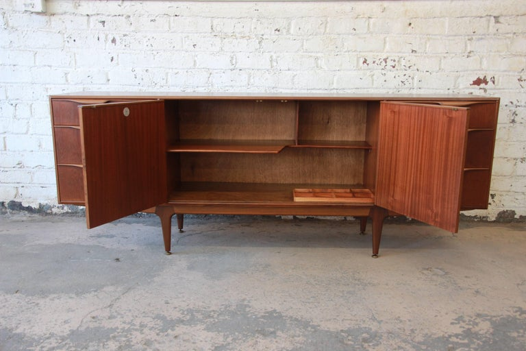 Danish Modern Style Teak Credenza by A.H. McIntosh In Good Condition For Sale In South Bend, IN