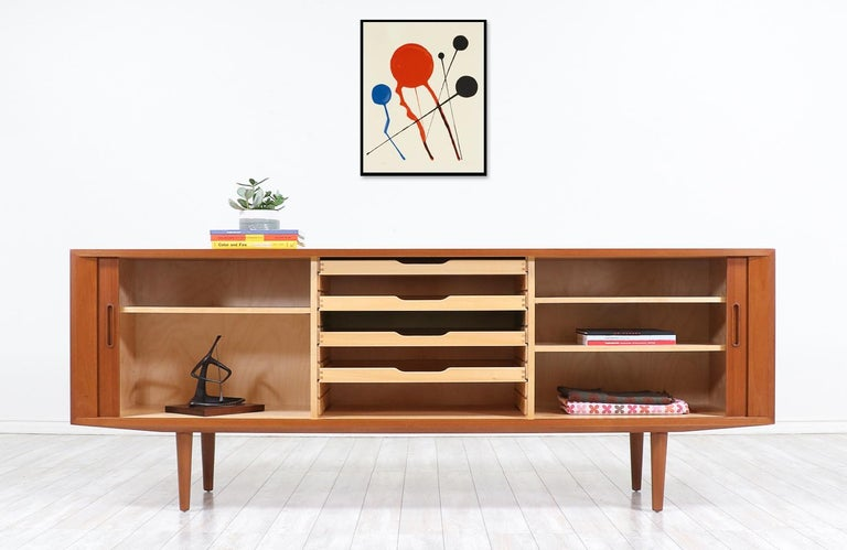 Danish Modern Tambour-Door Credenza by Carlo Jensen for Hundevad & Co. In Excellent Condition For Sale In Los Angeles, CA