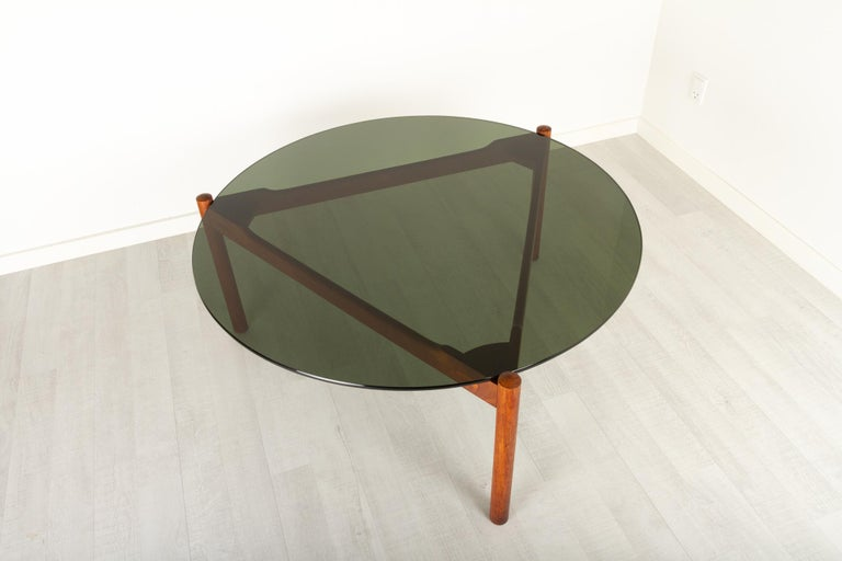 Danish Modern Teak and Glass Coffee Table by Komfort, 1960s In Good Condition For Sale In Nibe, Nordjylland