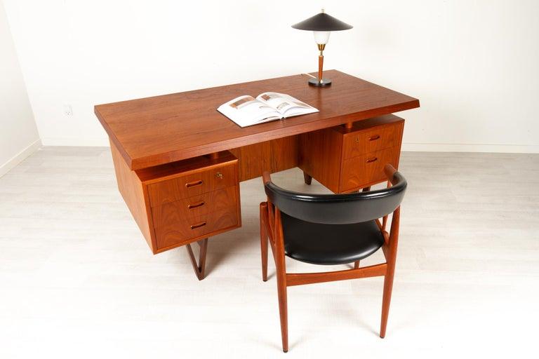 Danish Modern Teak Armchair by Johannes Andersen for Brdr. Andersen, 1960s For Sale 11