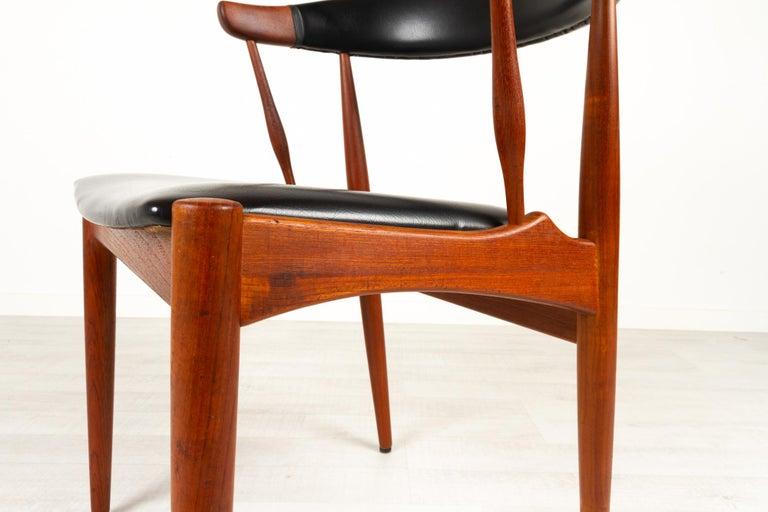 Danish Modern Teak Armchair by Johannes Andersen for Brdr. Andersen, 1960s For Sale 3