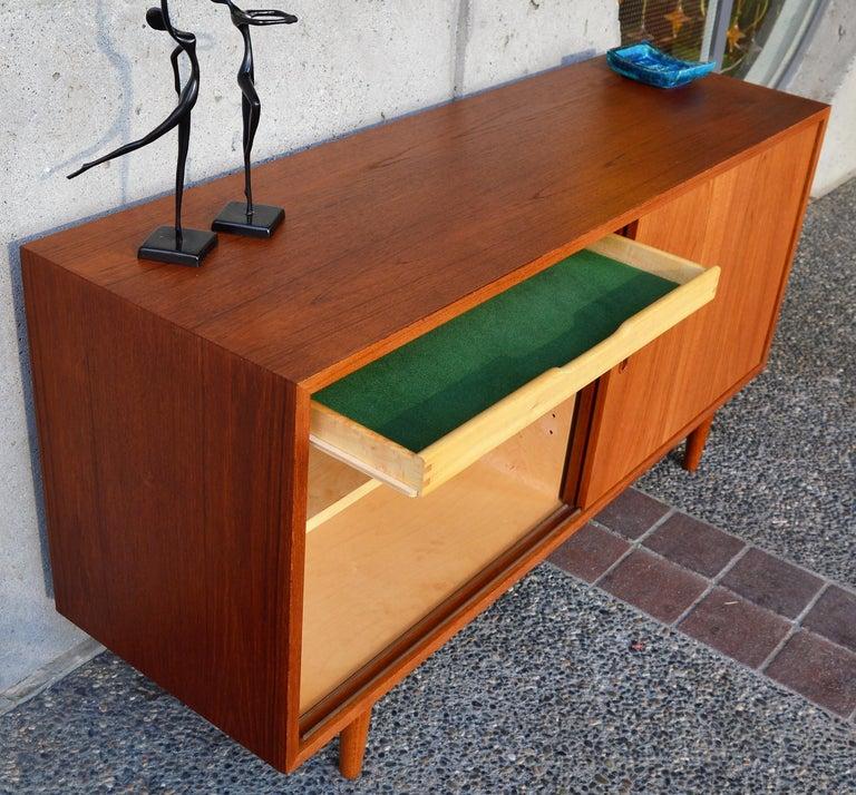 Danish Modern Teak & Beech Hundevad & Co Compact 2 Slider Credenza / Sideboard For Sale 1