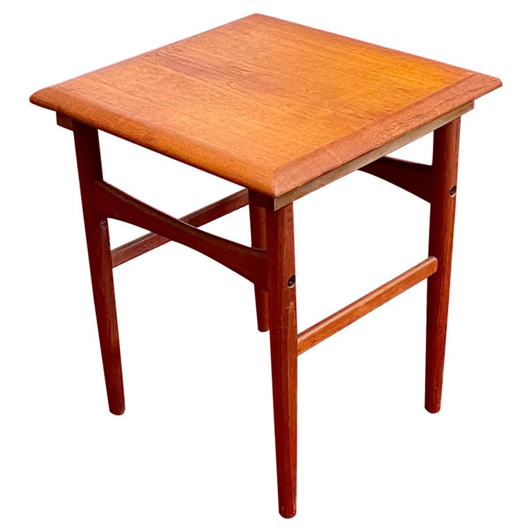 Danish Modern Teak Cocktail End Table For Sale