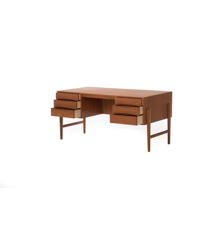 Scandinavian Modern Danish Modern Teak Desk by Arne Vodder For Sale