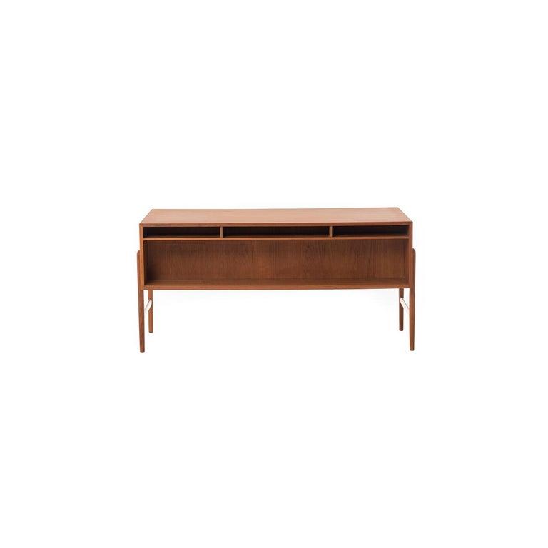 Danish Modern Teak Desk by Arne Vodder In Excellent Condition For Sale In Minneapolis, MN