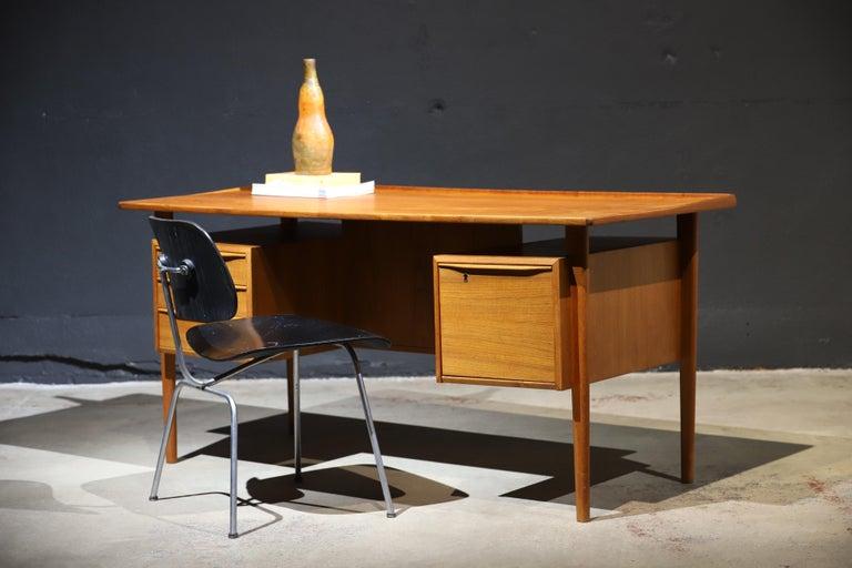Danish Modern Teak Desk by Peter Lovig Nielsen 15