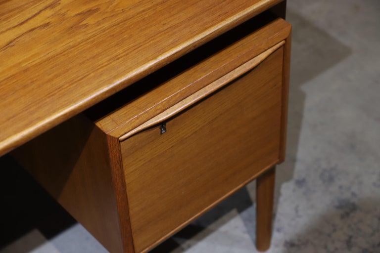 Danish Modern Teak Desk by Peter Lovig Nielsen In Good Condition In Oklahoma City, OK