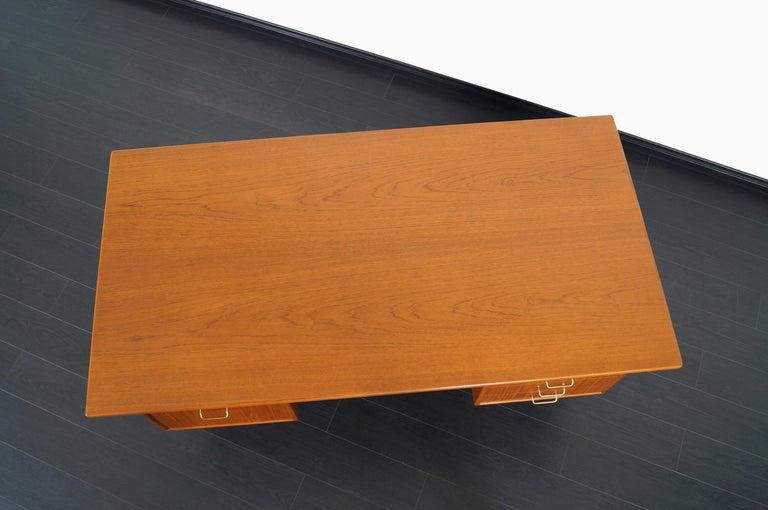 Danish Modern Teak Desk by Torben Standgaard For Sale 4
