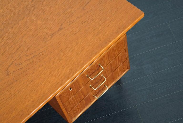 Danish Modern Teak Desk by Torben Standgaard For Sale 5