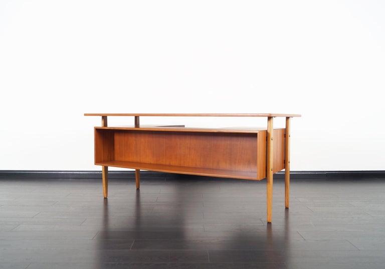 Danish Modern Teak Desk by Torben Standgaard For Sale 3