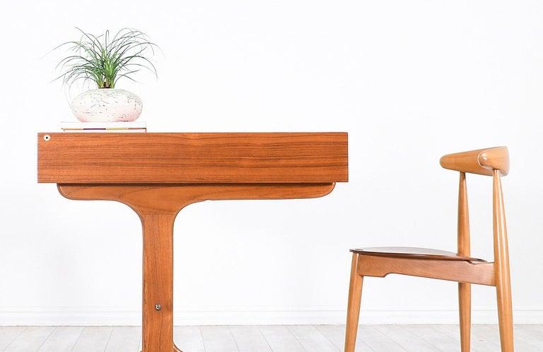 Danish Modern Teak Desk with Pop Up Tray For Sale 4