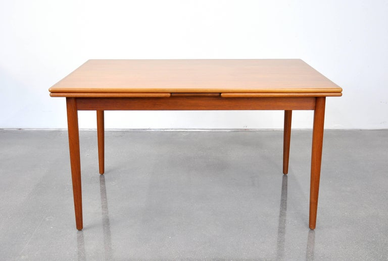 Danish Modern Teak Dining Set with Four Moller Model #78 Chairs 8