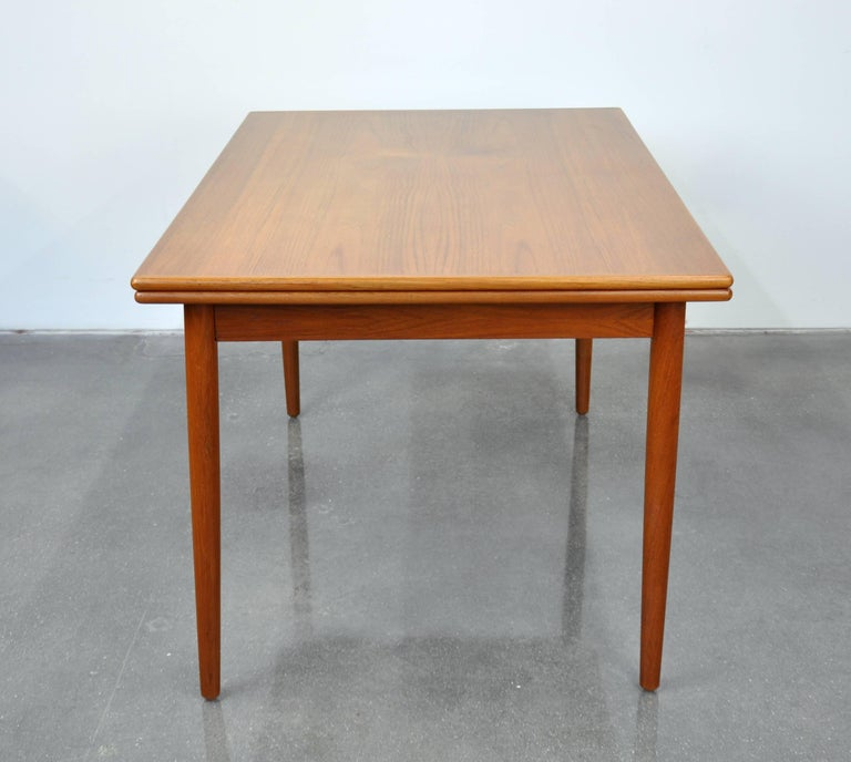 Danish Modern Teak Dining Set with Six Moller Model #71 Chairs 10