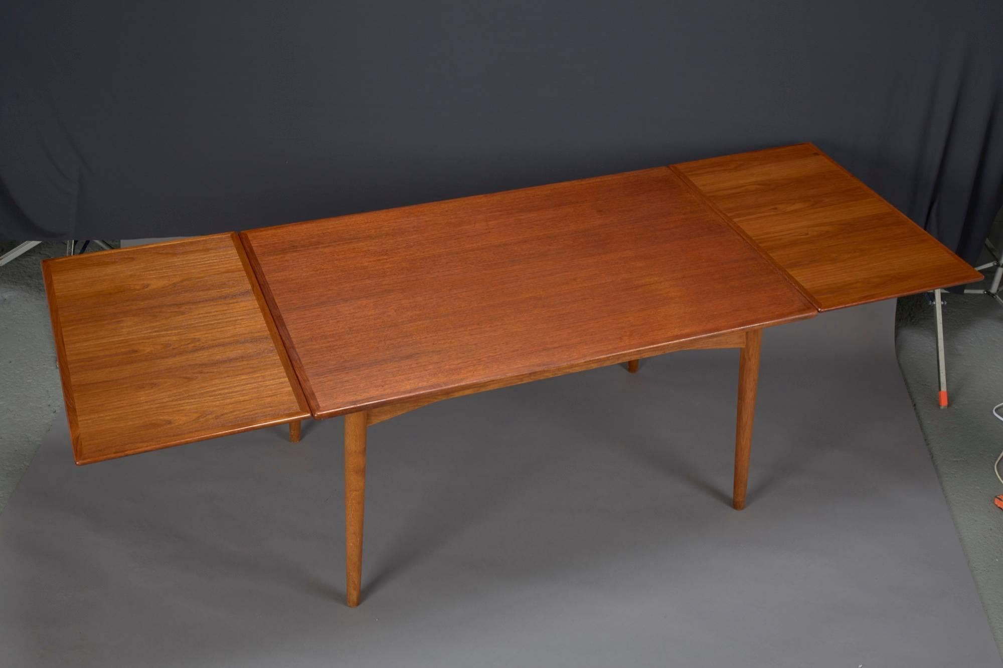 Danish Modern Teak Dining Table With Two Pull Out Leaves By Omann Jun At 1stdibs