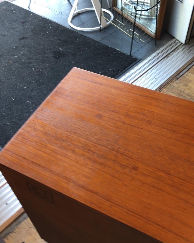 Danish Modern Teak and Glass Low Bookcase / Cabinet by Gunni Omann For Sale 1