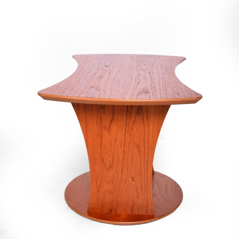 Scandinavian Modern Sophisticated & Simple Sculptural Side Table with Magazine Holder in Teak 1980s For Sale