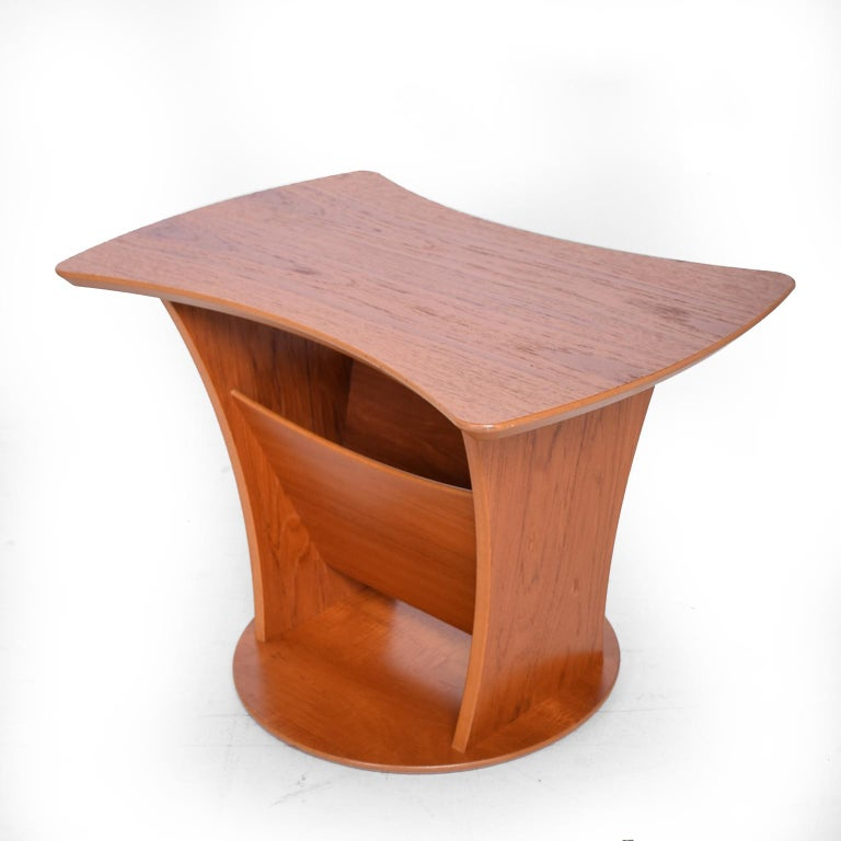 Danish Sophisticated & Simple Sculptural Side Table with Magazine Holder in Teak 1980s For Sale