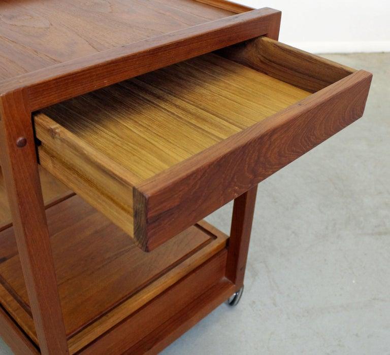 Danish Modern Teak Sliding Door Bar Cart In Good Condition For Sale In Wilmington, DE