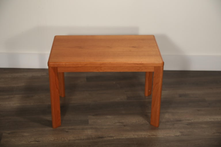 Danish Modern Teak Table by Henning Kjaernulf for Vejle Stole & Møbelfabrik In Good Condition For Sale In Los Angeles, CA