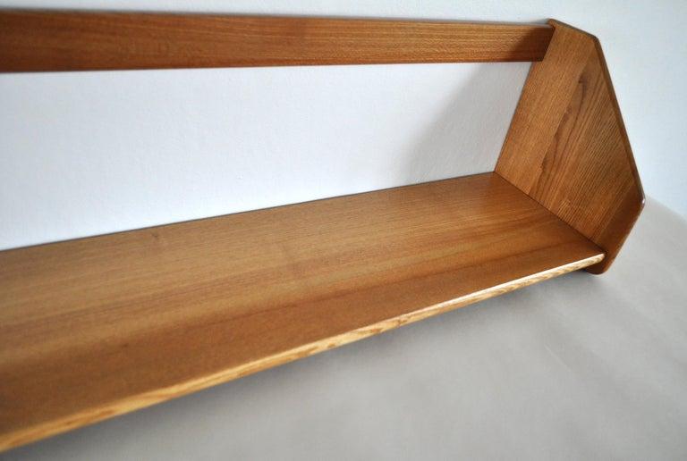 Danish Modern Wall Bookshelf in Oak by Hans J. Wegner, 1950s For Sale 2