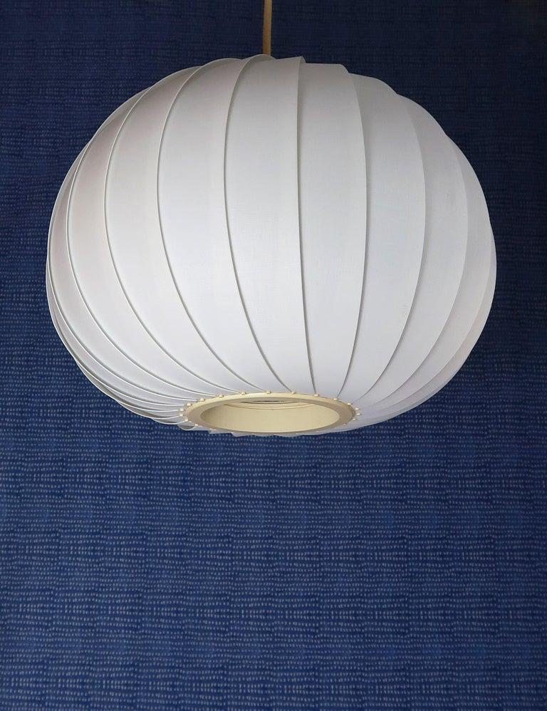 Danish Modern White Globe Pendant by Lars E. Schiøler for Hoyrup, 1972 In Good Condition For Sale In Copenhagen, DK