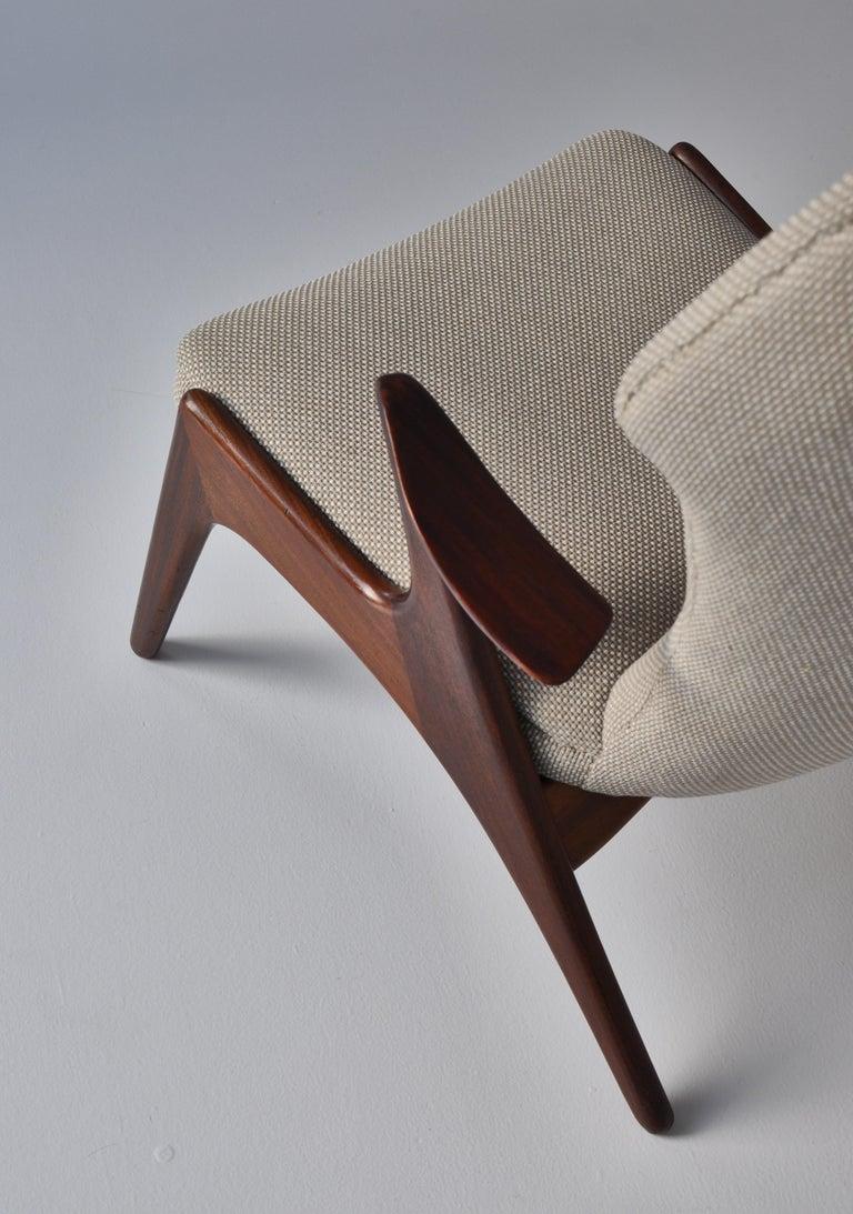 Danish Modern Wing Chair in Teakwood by Kurt Østervig, 1950s For Sale 4