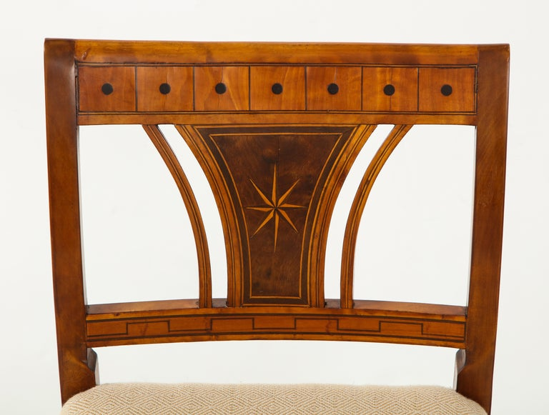 Danish Neoclassical Inlaid Birchwood Window Seat, 19th Century For Sale 1