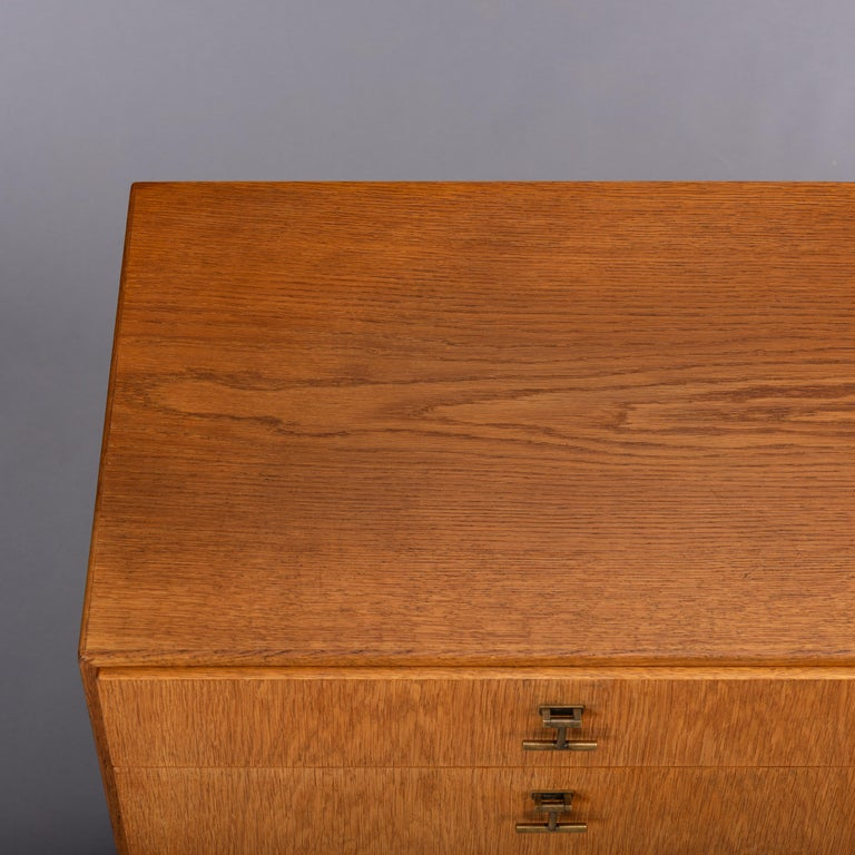 Danish Oak Chest of Drawers No. 234 by Børge Mogensen for FDB Mobler, 1960s For Sale 4