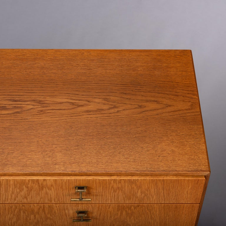 Danish Oak Chest of Drawers No. 234 by Børge Mogensen for FDB Mobler, 1960s For Sale 6