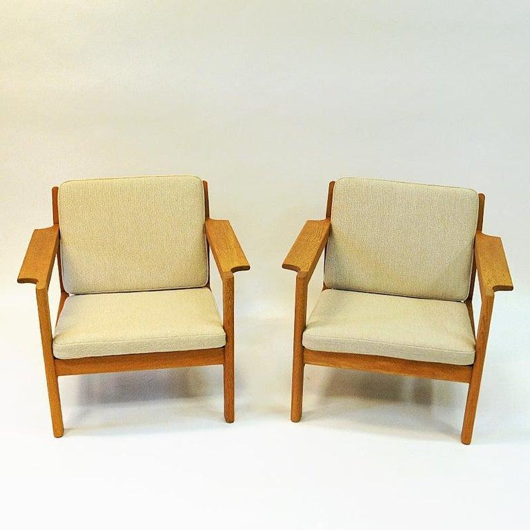Danish Pair of Teak Armchairs Model 227 by Børge Mogensen, 1960s For Sale 4