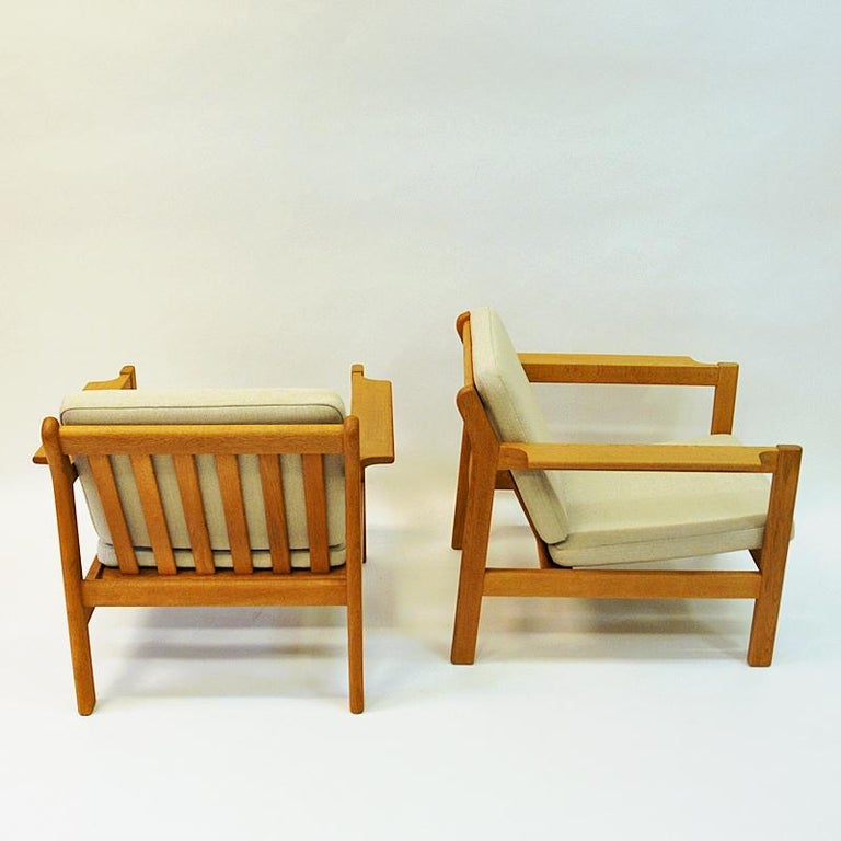 Danish Pair of Teak Armchairs Model 227 by Børge Mogensen, 1960s For Sale 1