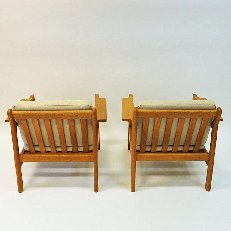 Danish Pair of Teak Armchairs Model 227 by Børge Mogensen, 1960s For Sale 2