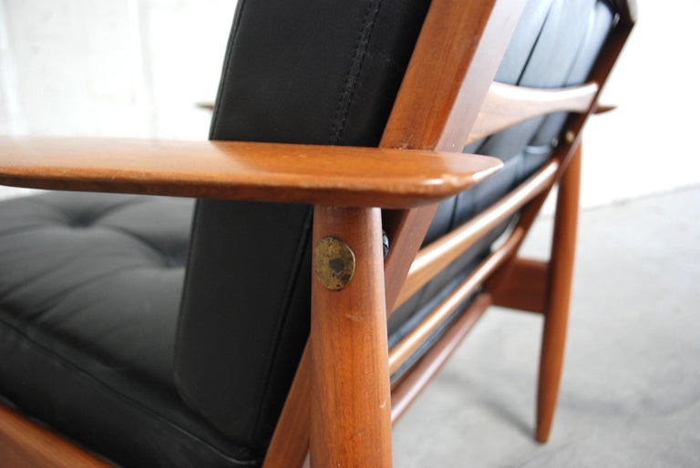 Danish Pair of Teak Leather Armchairs, 1960s For Sale 9
