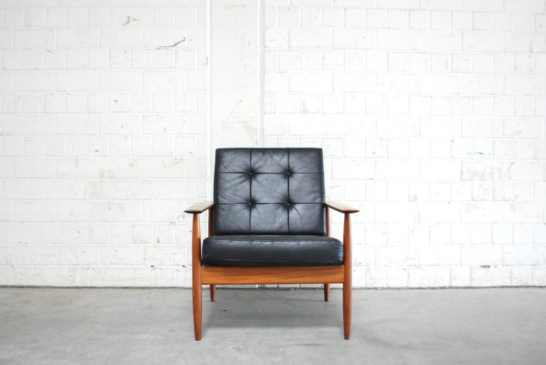 Danish Pair of Teak Leather Armchairs, 1960s In Good Condition For Sale In Munich, Bavaria