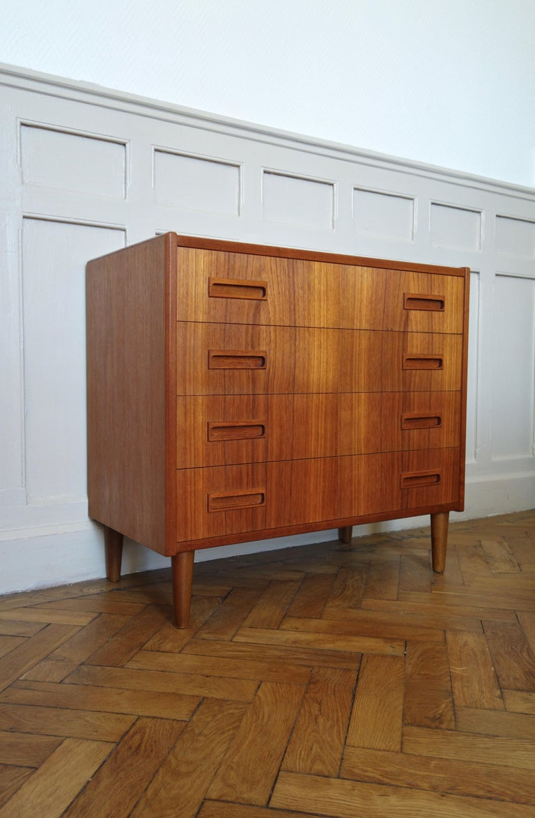 Scandinavian Modern Danish Rosewood Chest of Drawers by Otto Nielsen, 1960s For Sale