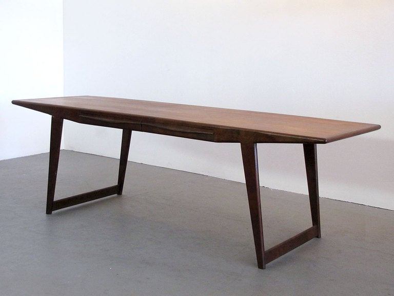 Danish Rosewood Coffee Table, 1950 In Good Condition For Sale In Los Angeles, CA