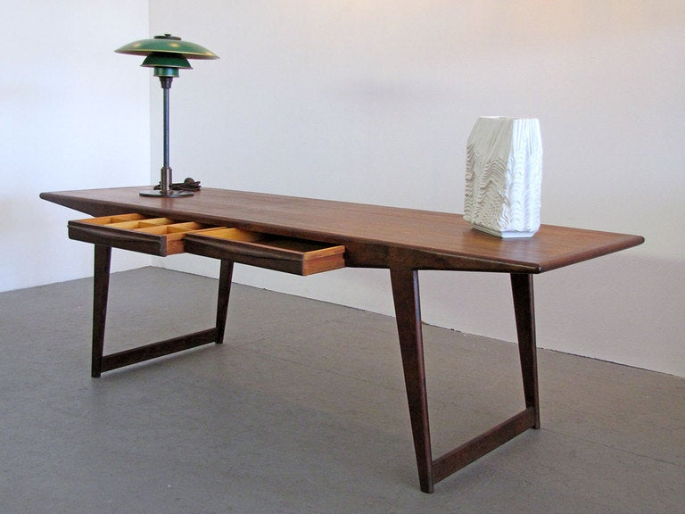 Danish Rosewood Coffee Table, 1950 For Sale 3