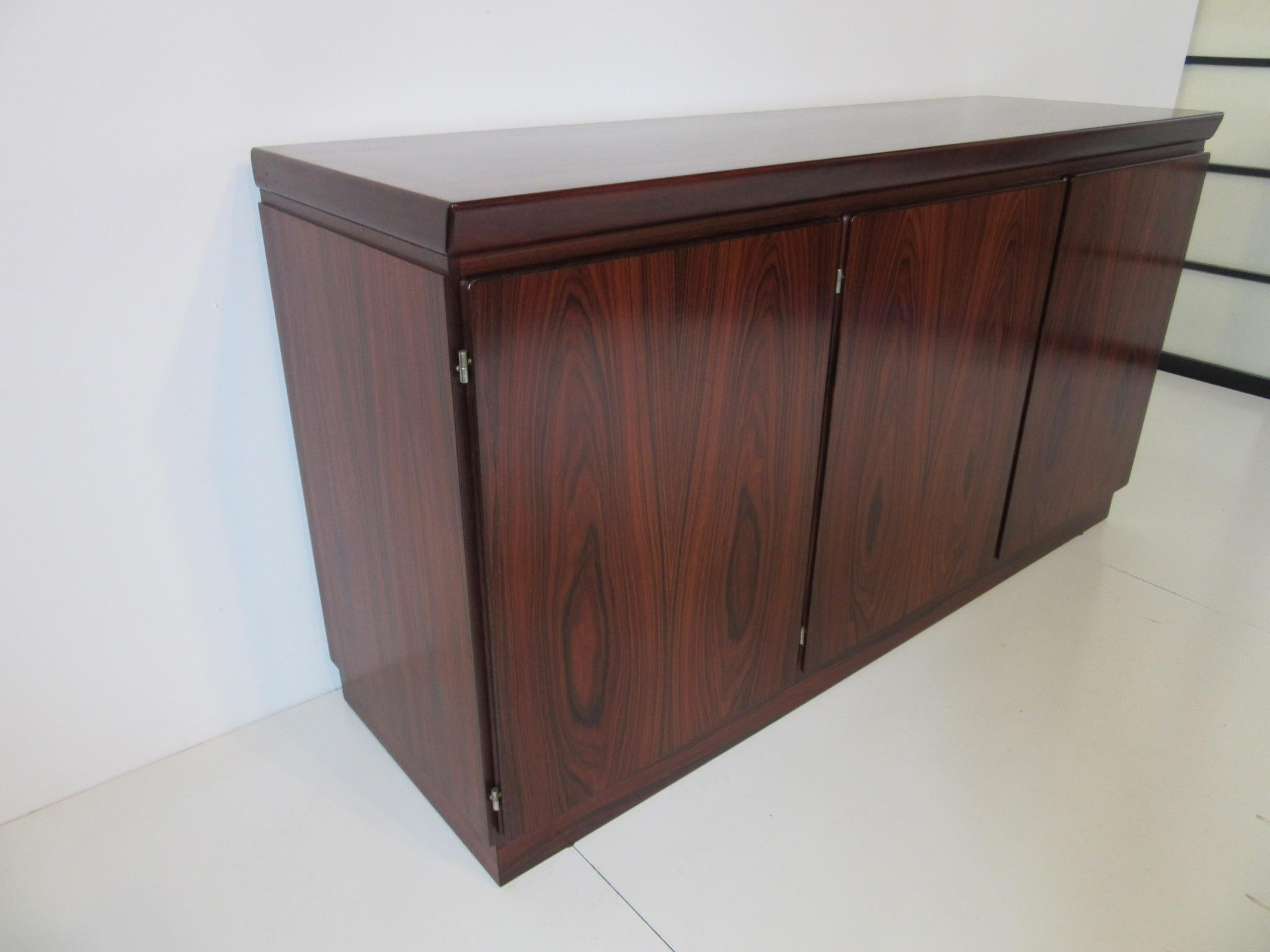 Danish Rosewood Credenza : Danish modern rosewood credenza by dyrlund for maurice villency