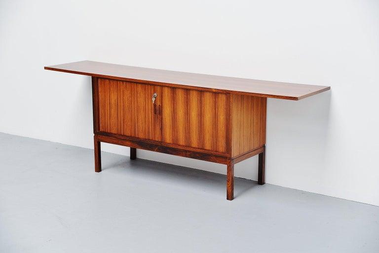 Danish Rosewood Drybar Cabinet Unusual Shaped Denmark, 1960 In Good Condition For Sale In Etten-Leur, NL