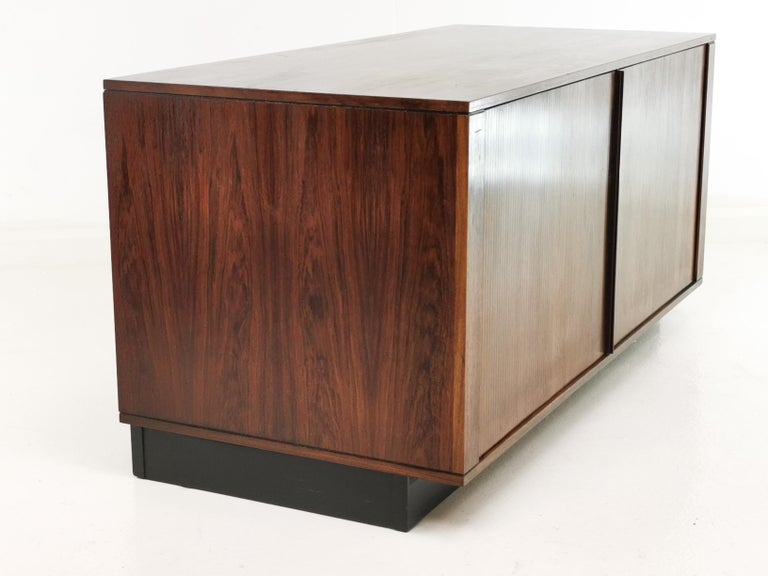Danish Rosewood Sideboard Cabinet by Hornslet Mobelfabrik, Midcentury, 1960s In Good Condition For Sale In STOKE ON TRENT, GB
