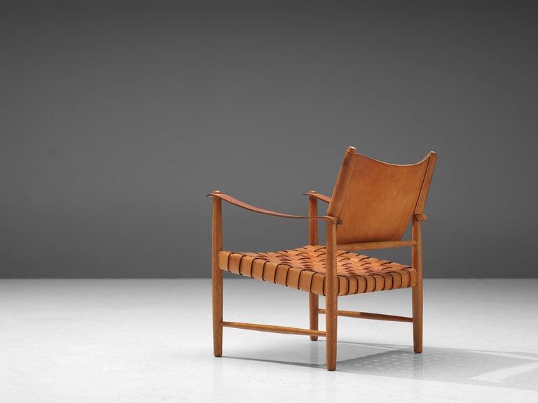Danish Safari Chair in Cognac Leather In Good Condition In Waalwijk, NL